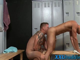 Gay dude gets ass rimmed