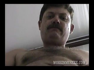 Mature Amateur Don Jacking Off